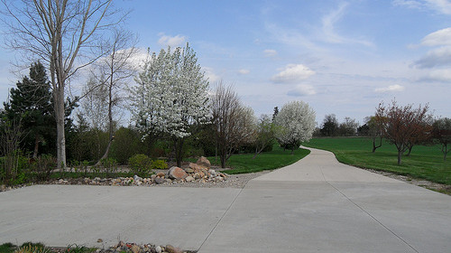 Designing a Driveway: Four Tips for a Beautiful and Durable Drive