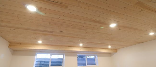 Remodelaholic | How to Install a Whitewashed Knotty Pine Wood Plank Ceiling